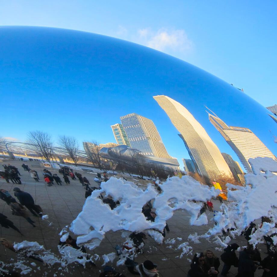 Blue_sky_snow_and_sun_at_Millennium_Park.jpg
